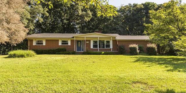 4904 Lailwood Circle, Charlotte, NC. 28227