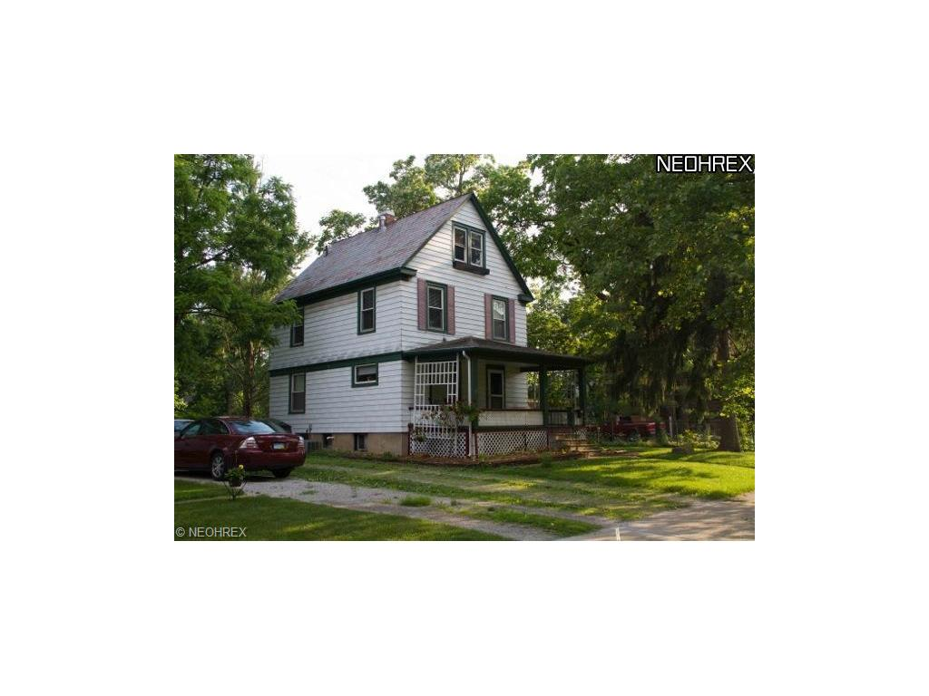 25 Locust St, Oberlin, OH 44074-1622