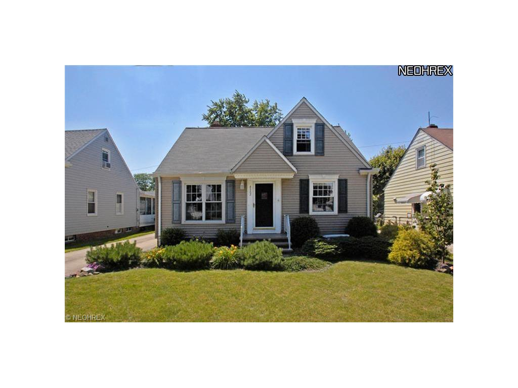 4562 Forest Edge Dr, Brooklyn, OH 44144-2641