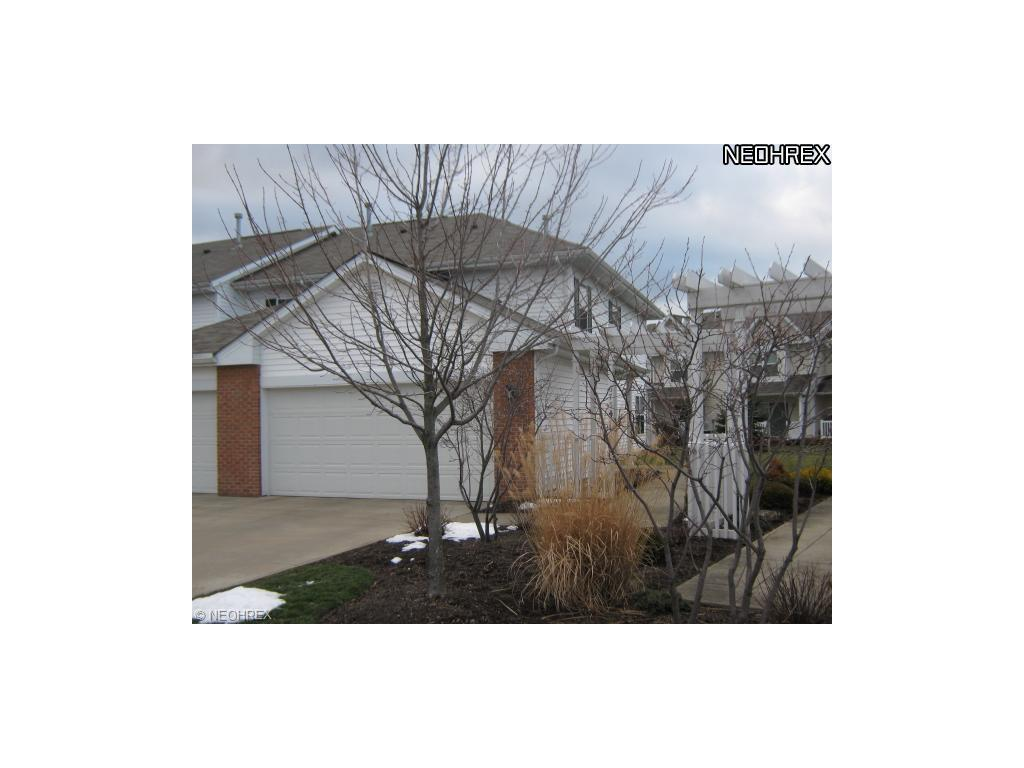 6754 Cedarwood Ter, Middleburg Heights, OH 44130