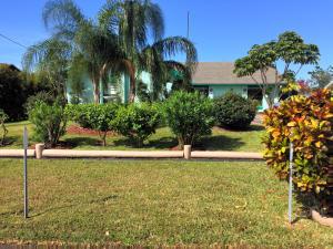 2562 SE Lily Street Port Saint Lucie, FL 34952