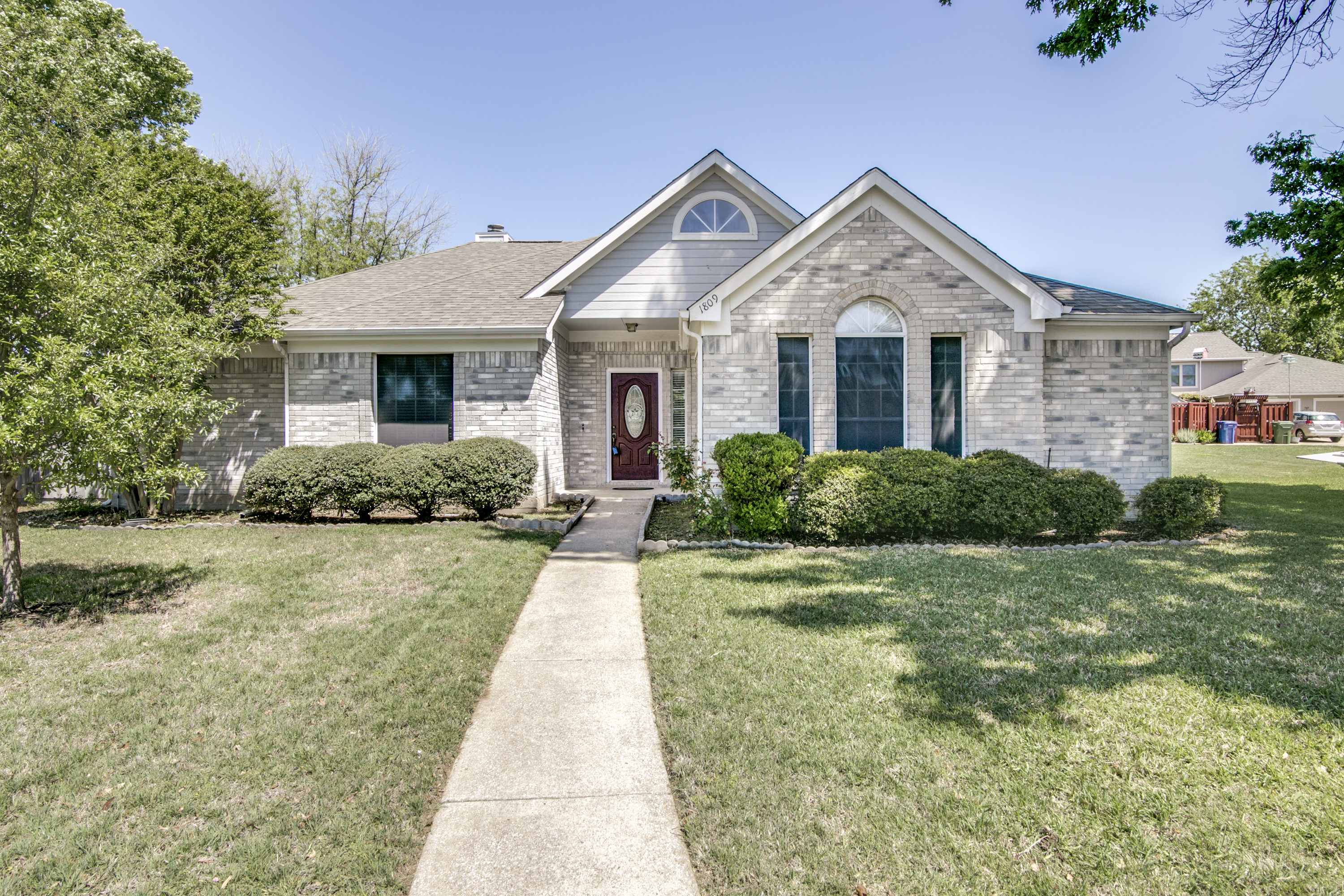 1809 Creek Crossing, Garland TX