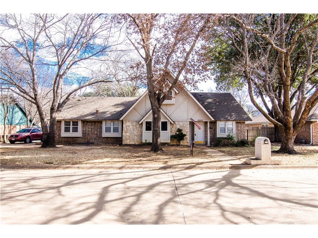 2222 Ravenwood Dr  Grand Prairie, TX 75050