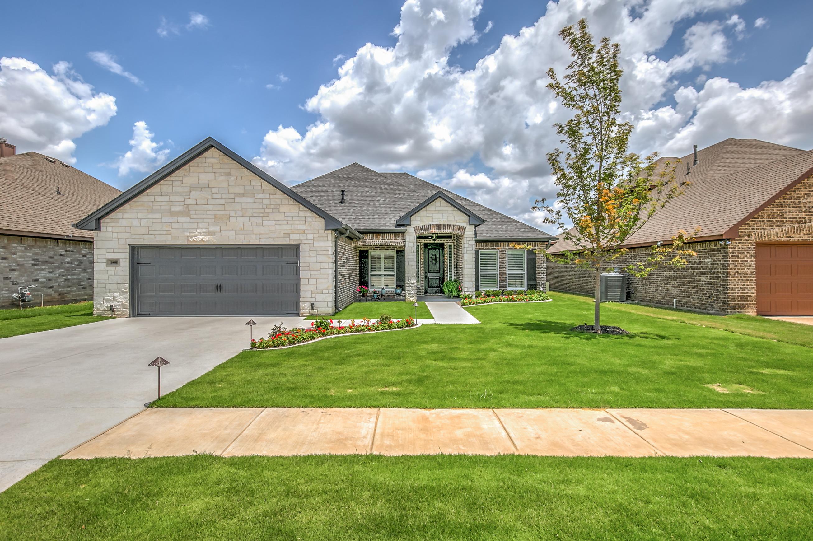 10808 GolfView Way Benbrook, TX