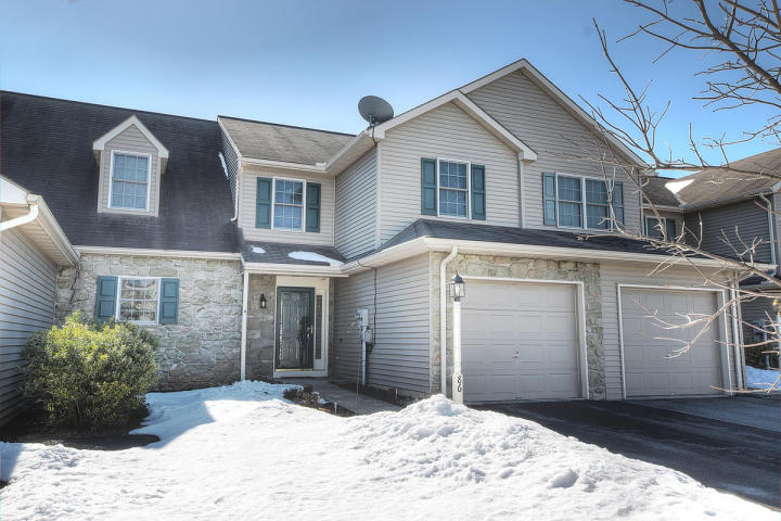 86 Pebblecreek Dr, Lititz, PA 17543