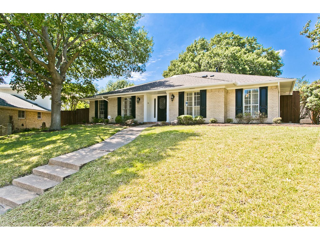 318 Meadowlark Dr., Richardson TX