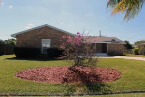 1662 SE GOUCHO, Port St. Lucie, FL 34952