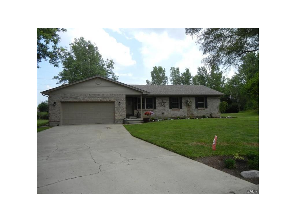 8235 Travis Ct, Franklin, OH 45005