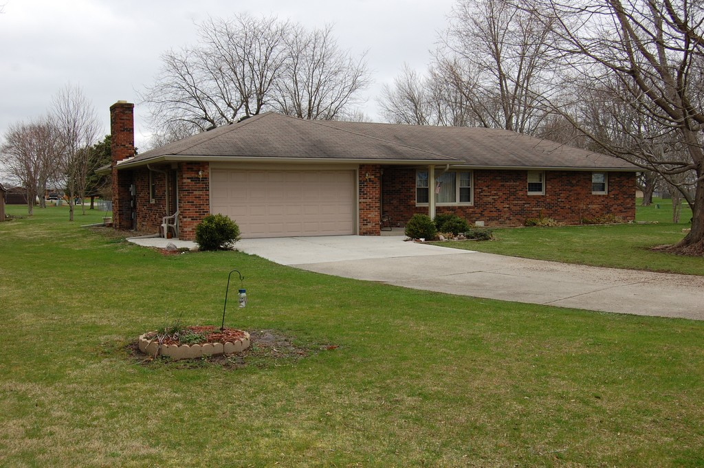 2587 Laddie Ct. Anderson, IN