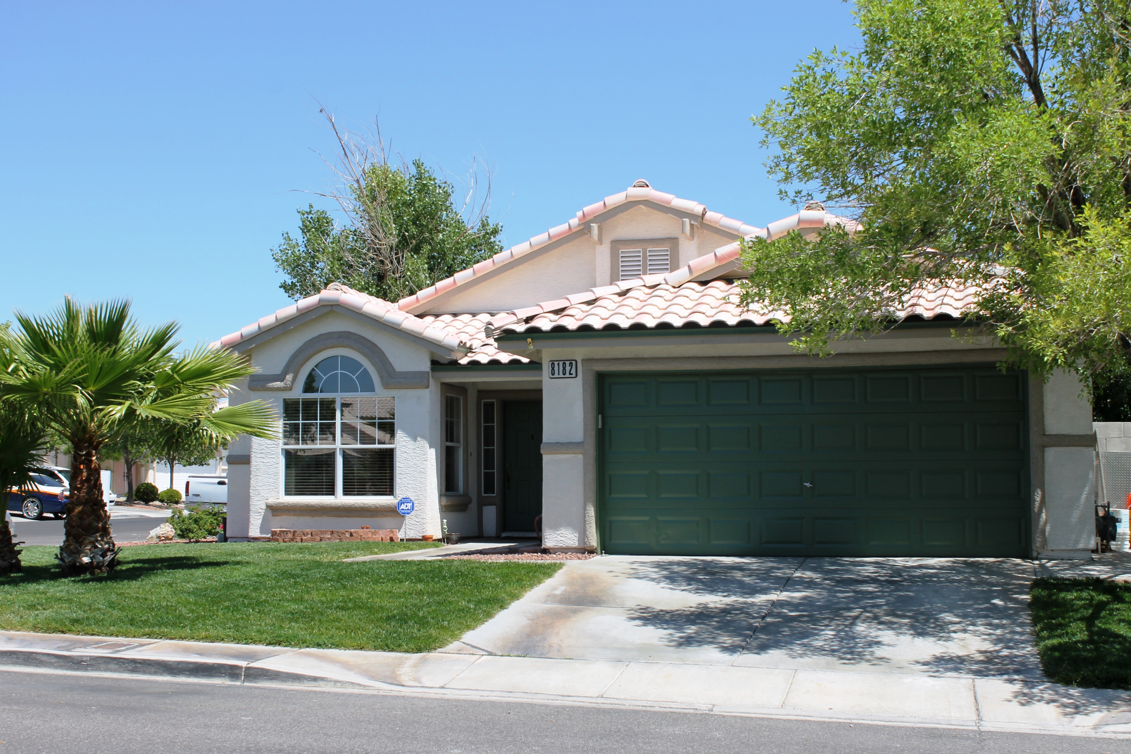 8182 Dinsmore Drive, Las Vegas, NV 89117