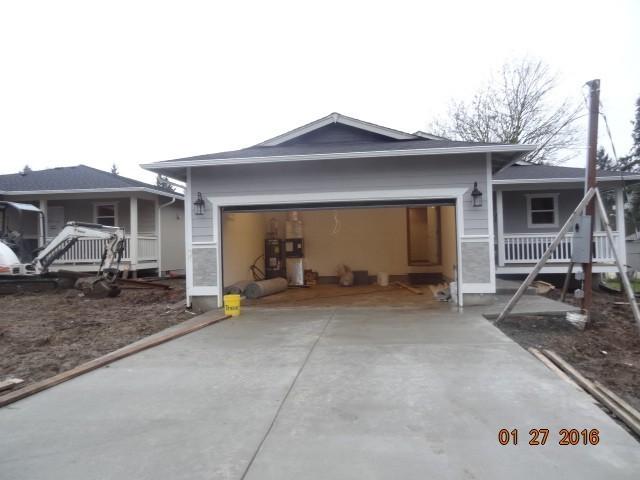 916 101st St Ct E, Tacoma, WA 98445