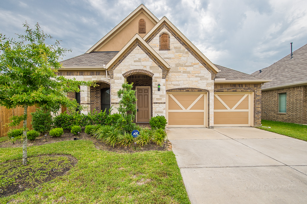 26105 Gallant Knight, Kingwood