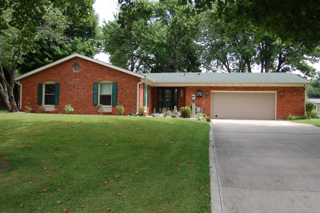 6336 S White Oaks Drive, Anderson, IN