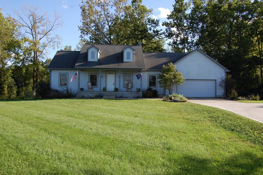 19 Lick Creek Drive, Markleville, IN 46056