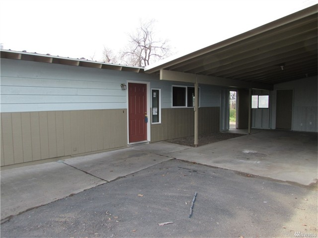 155 Carswell Dr, Moses Lake 98837