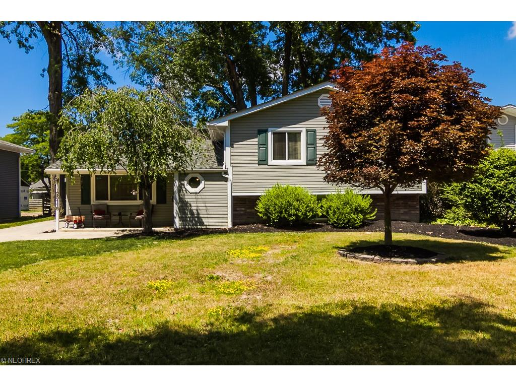 25118 Deerfield Dr North Olmsted, OH 44070