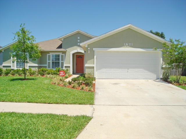 1521    Summit Oaks DR West , JACKSONVILLE , FLORIDA ; 32221