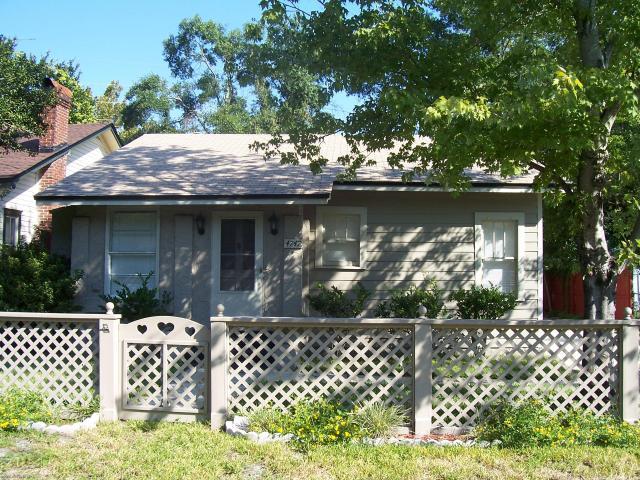 4747    Crescent ST , JACKSONVILLE , FLORIDA ; 32205