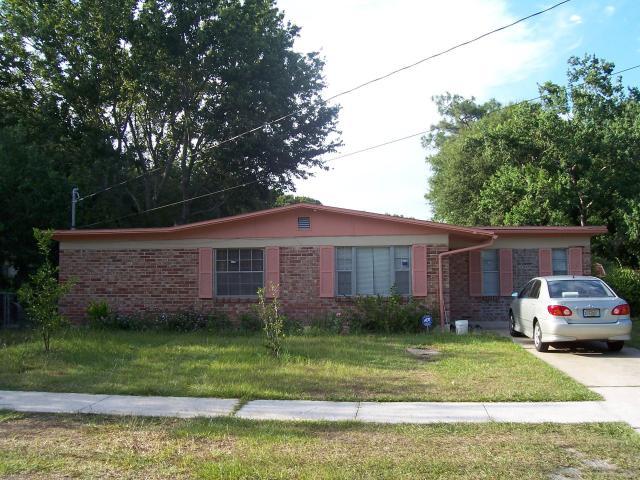 8077    WILSON BLVD , JACKSONVILLE , FLORIDA ; 32210