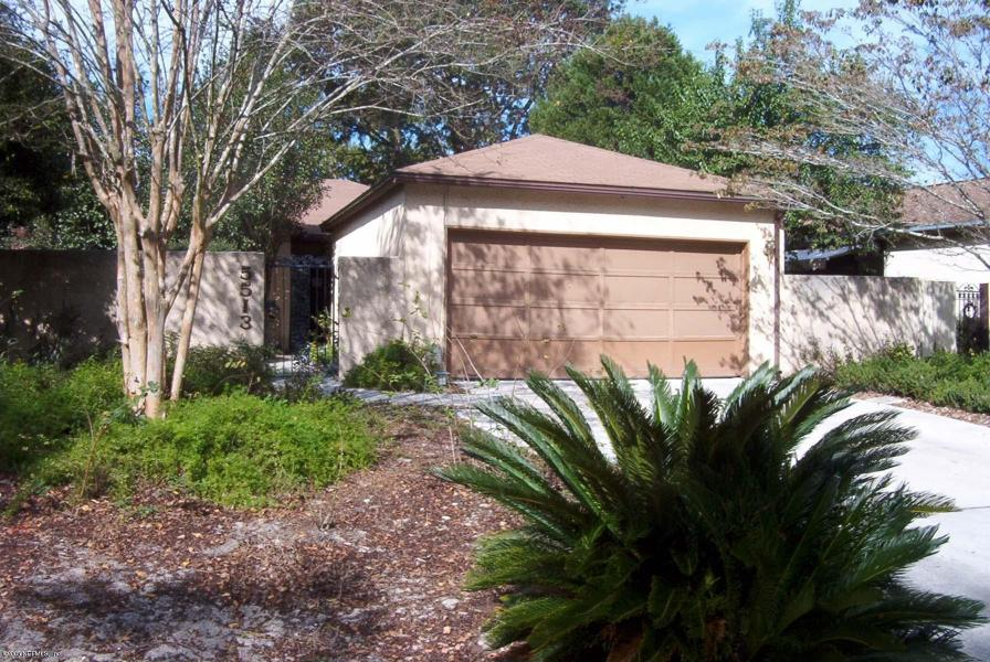5513    MARINERS COVE DRIVE , JACKSONVILLE , FLORIDA ; 32210