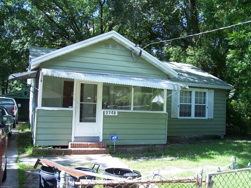 2748    BROADWAY AVE , JACKSONVILLE , FLORIDA ; 32254