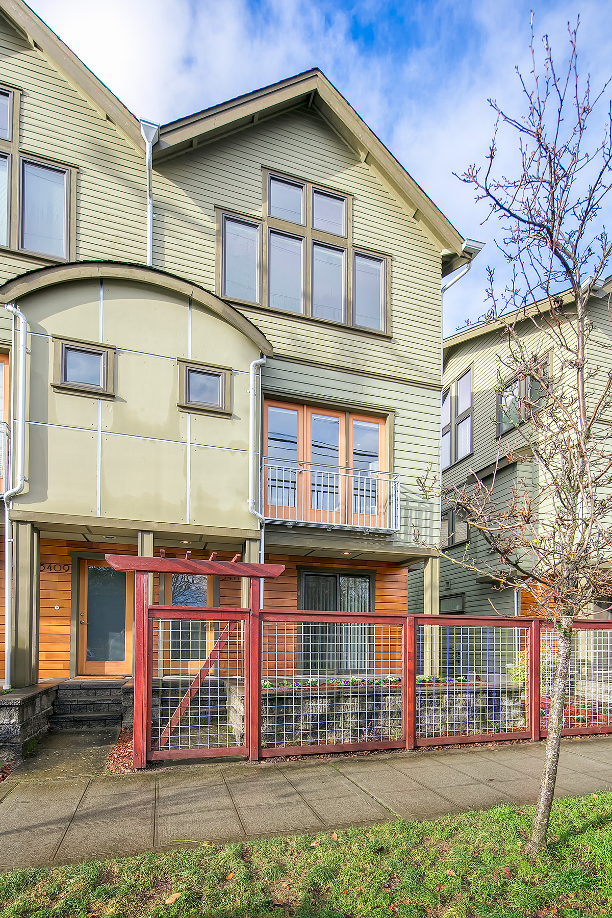 5411 Phinney Ave N. Seattle, WA 98103
