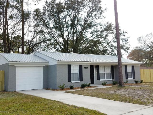 2713   JULIE LN , MIDDLEBURG , FLORIDA ; 32068