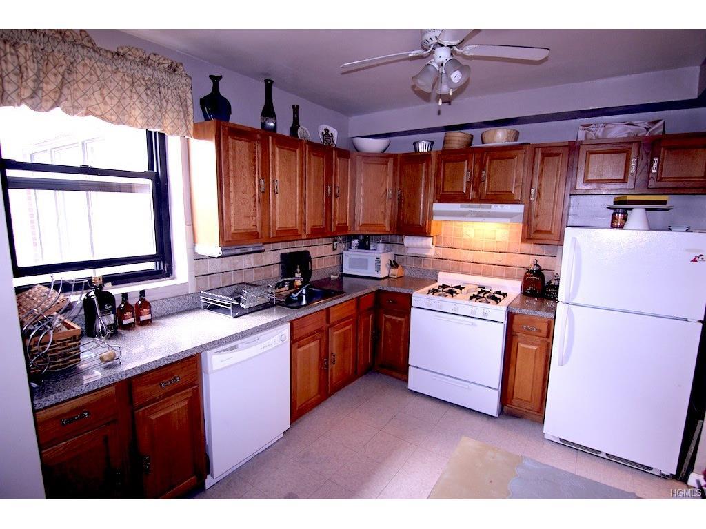 575 Bronx River Road, Unit #7E Yonkers, NY 10704