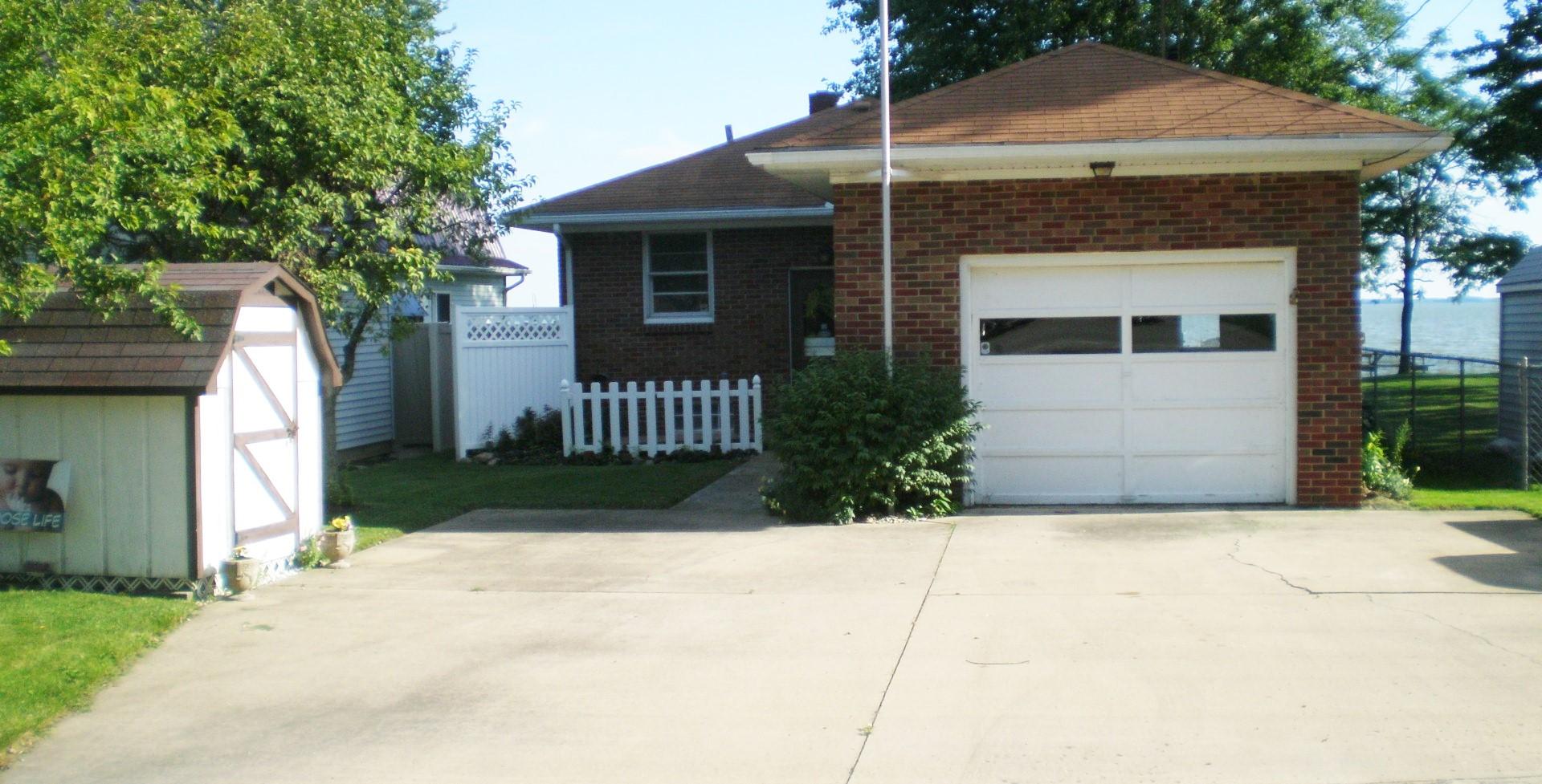 1154 E. Hickory Grove Port Clinton OH 43452