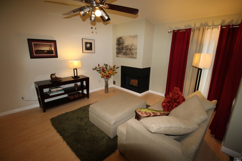 1201 Glen Cove Pkwy Apt 113,  Vallejo, CA 94591