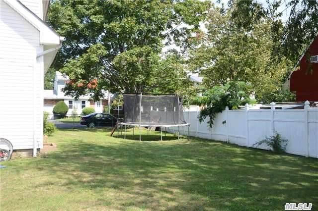 211 Harrison Ave, Bethpage Ny 11714