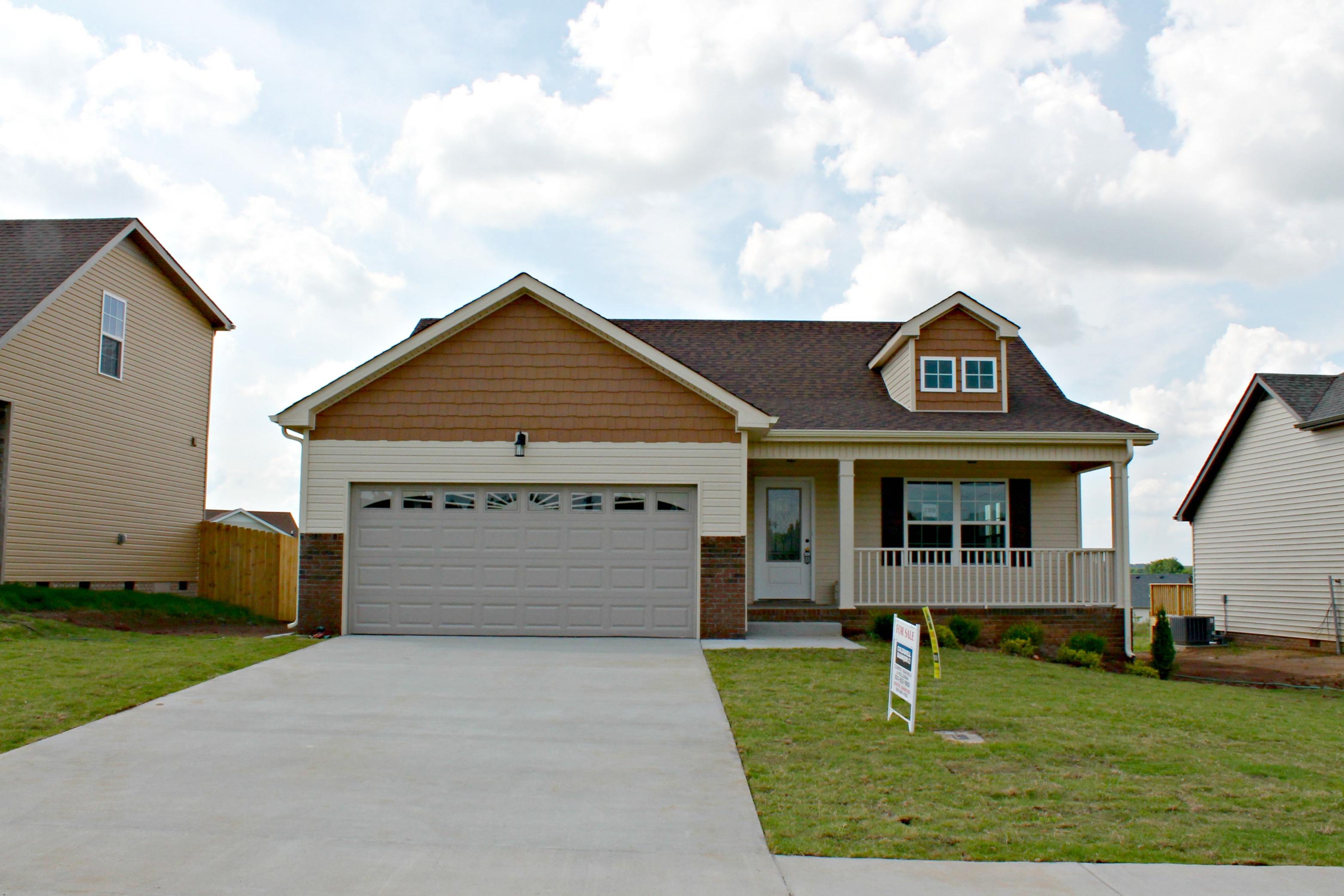1031 Dwight Eisenhower Way Clarksville, TN 37042