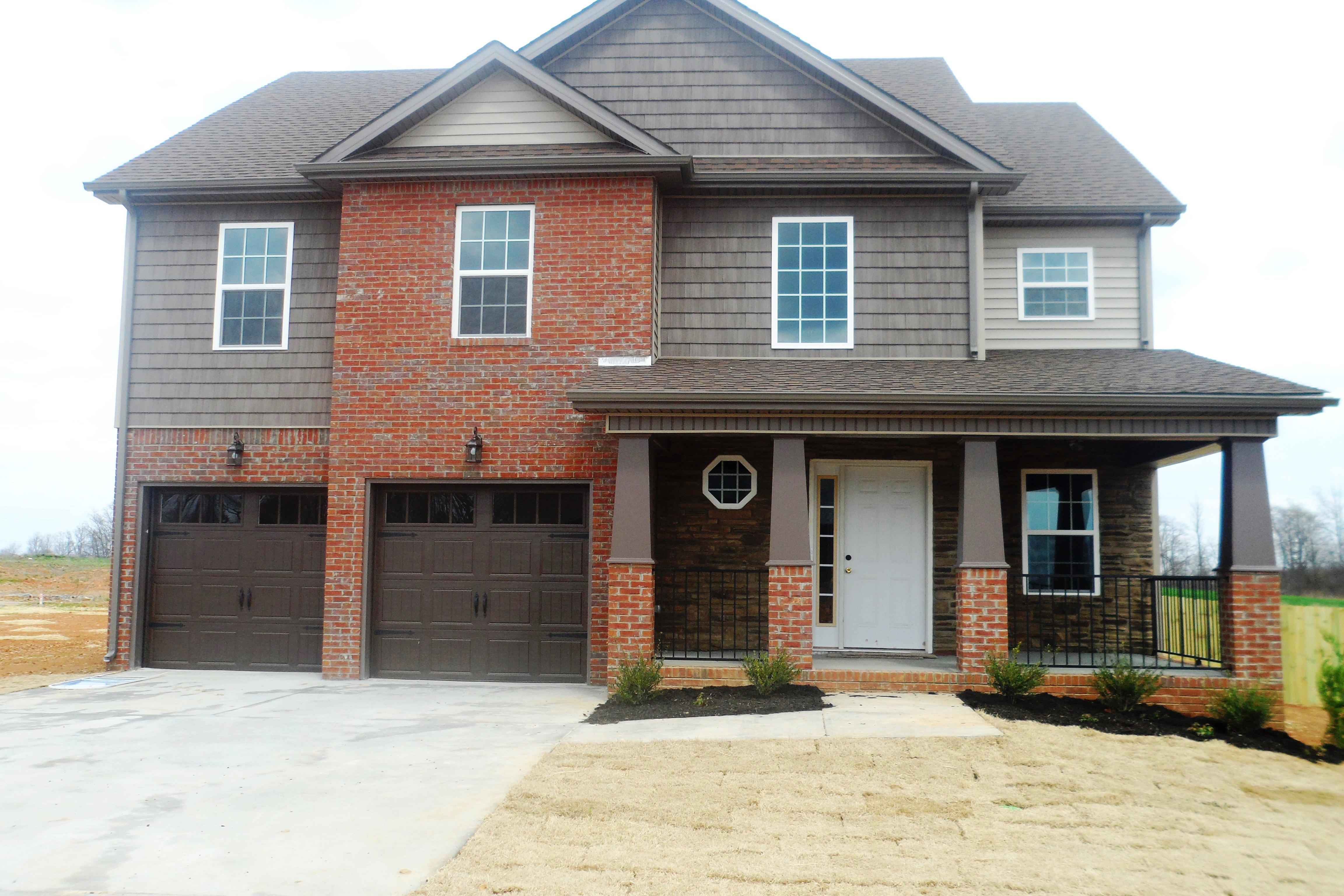 1061 Castlerock Drive Clarksville, TN 37042