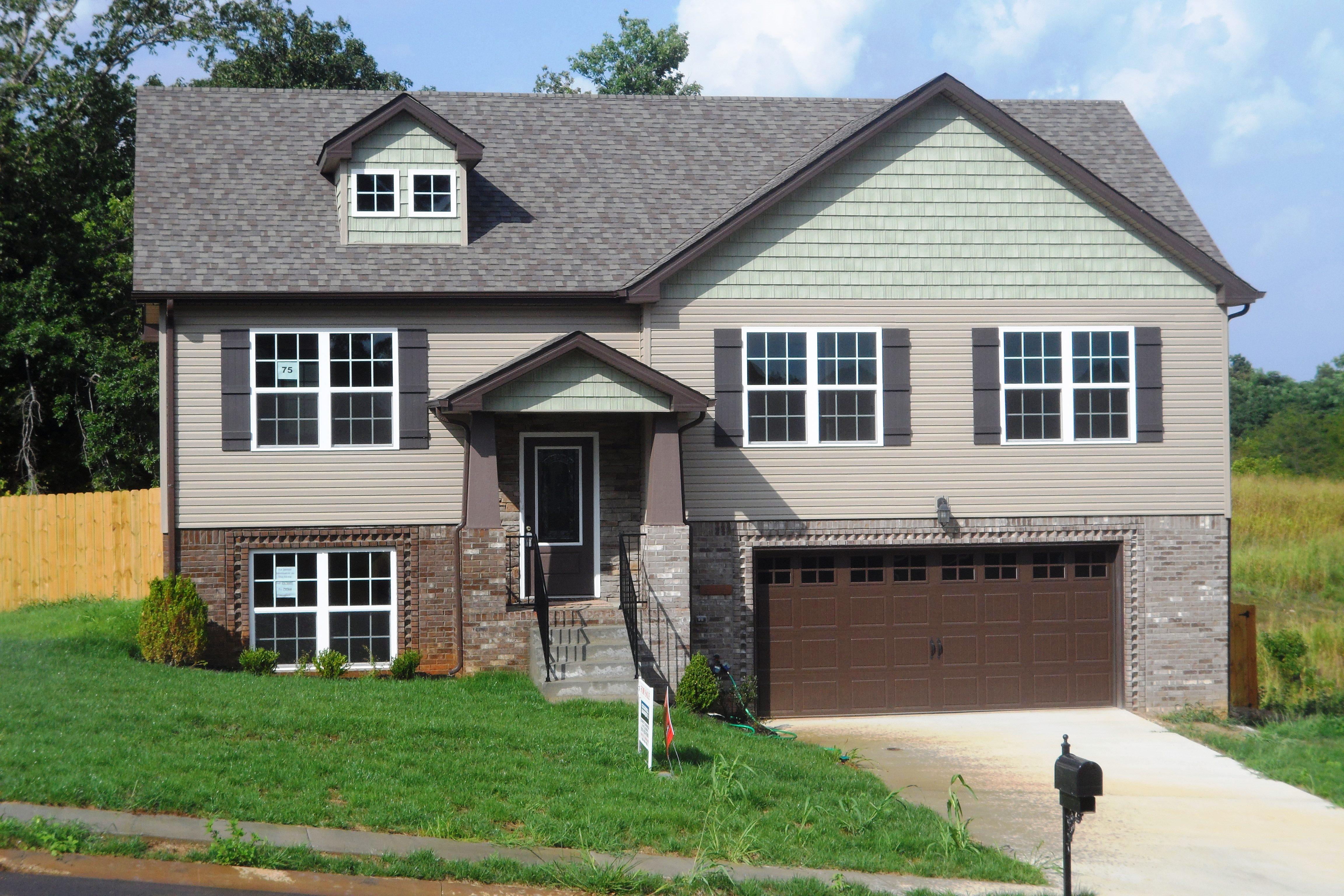 1085 Castlerock Drive Clarksville, TN 37042