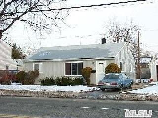 32 Stewart Avenue, Bethpage, NY 11714