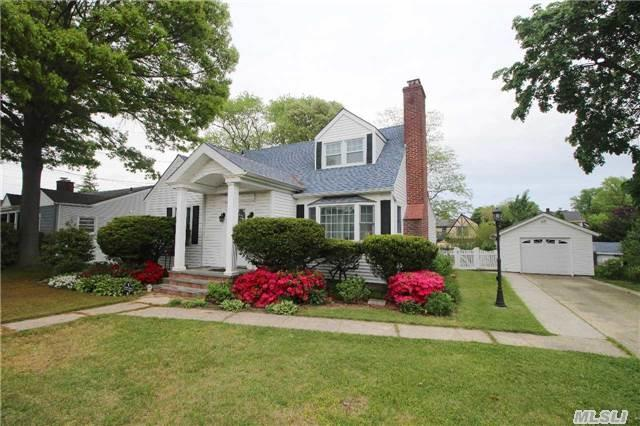 111 Homestead Avenue, Amityville, NY 11701