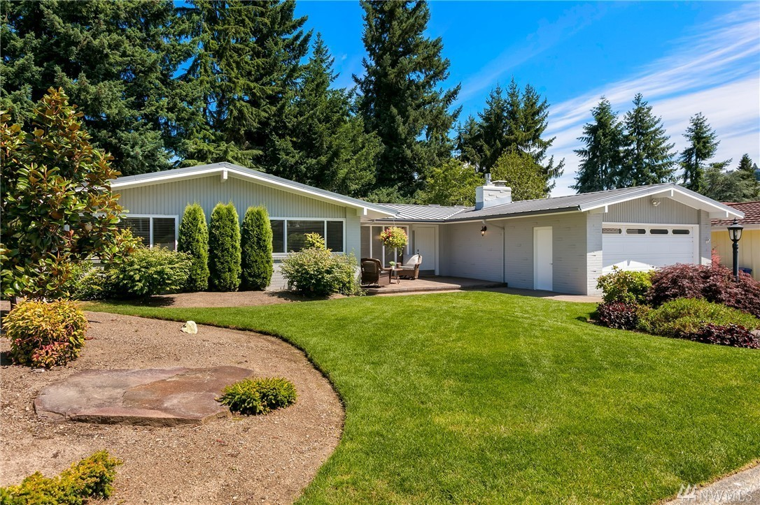 2516 SE 49th St Bellevue, WA 98006