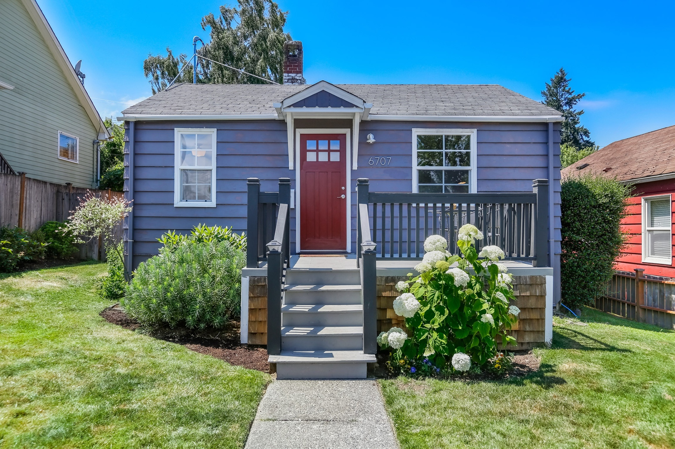 6707 34th Ave SW Seattle, WA 98126
