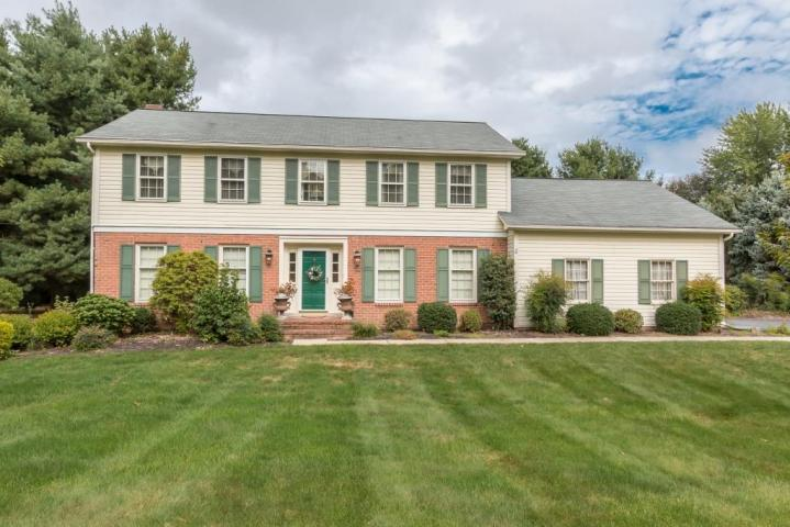 2585 Spring Valley Rd, Lancaster, PA 17601