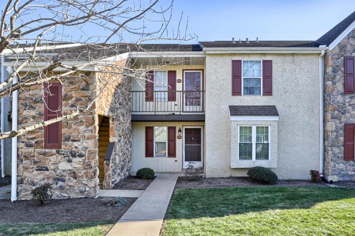 141 Oak Knoll Cr, Millersville, PA 17551