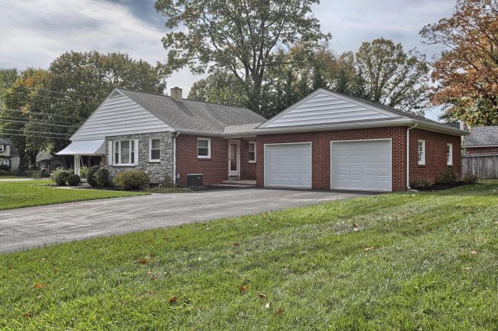 159 E Roseville Rd, Lancaster, PA 17601
