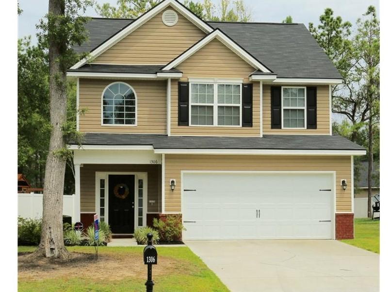 1306 Hill View Circle, Hinesville, GA 31313