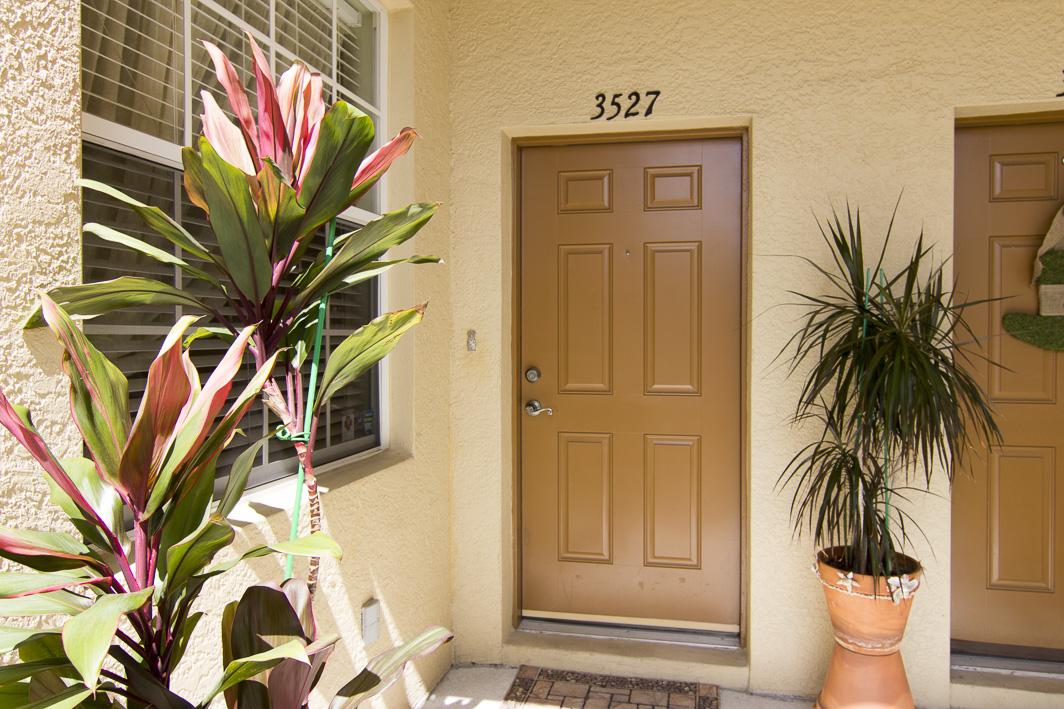 3527 Parkridge Circle, Sarasota FL 34243