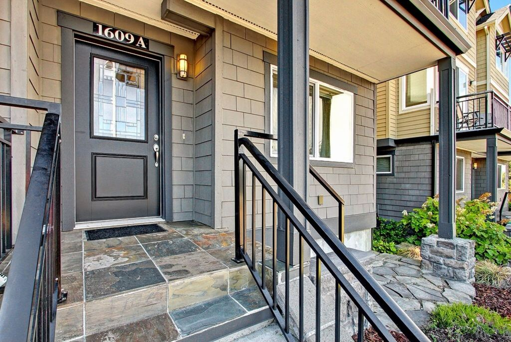 1609 California Ave SW Unit A Seattle, WA 98116