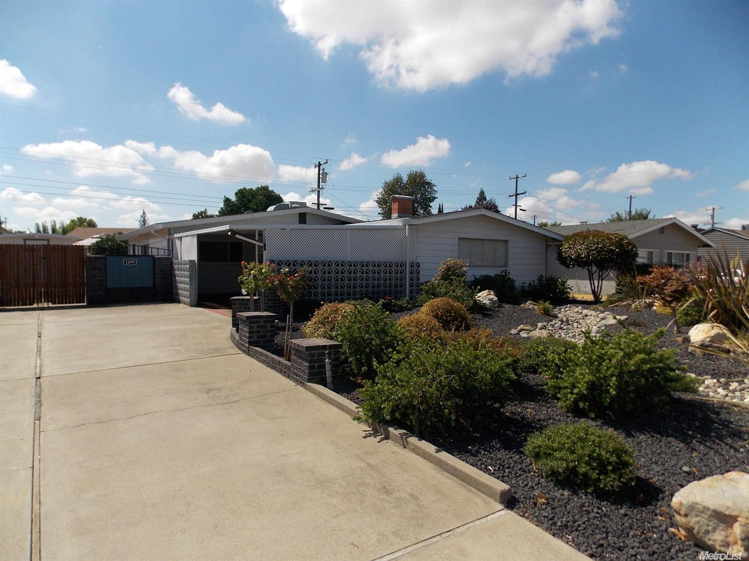 1099 1st St, Lincoln, CA 95648