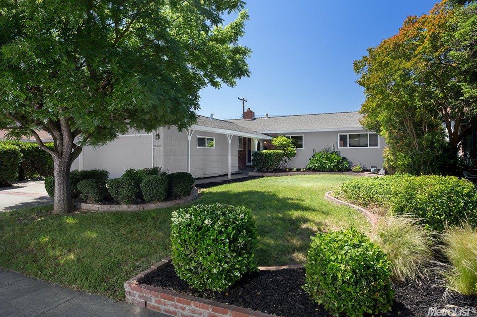 3542 Mignon St, Sacramento, CA 95826