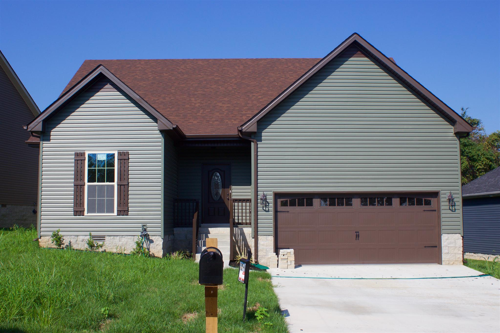 149 Camelot Hills Clarksville, TN 37040