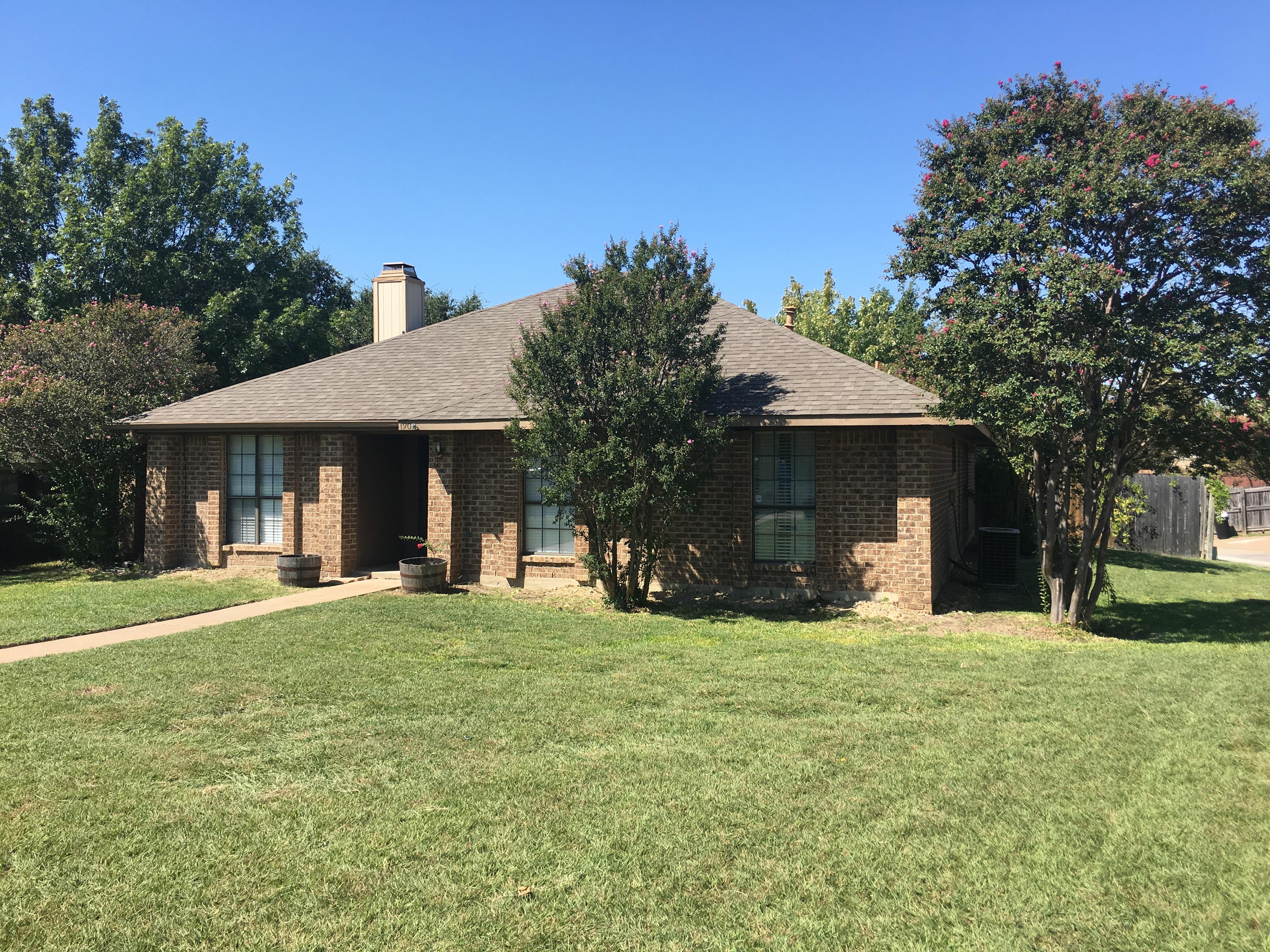 901 Courtland Drive, Mesquite, TX 75150