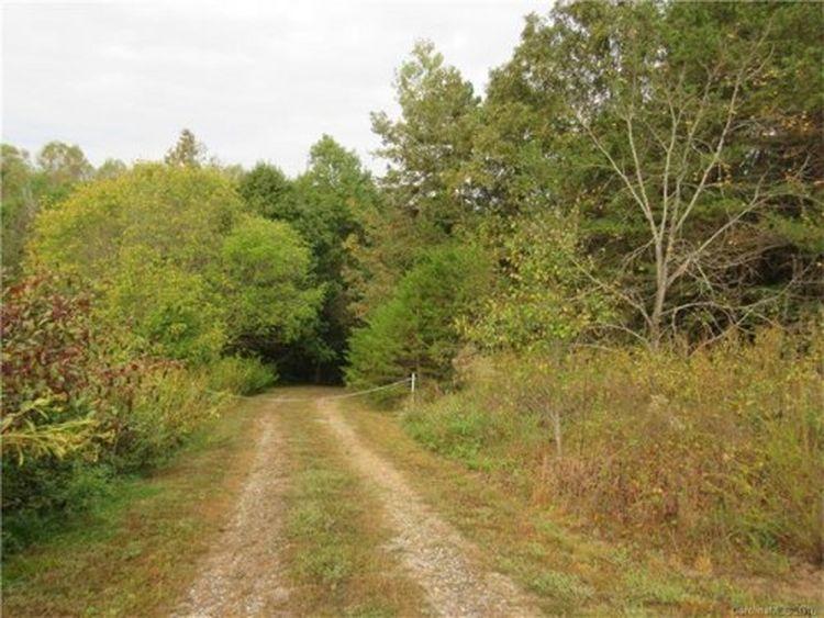 136 Beaverwood Ln,  Statesville, NC 28625