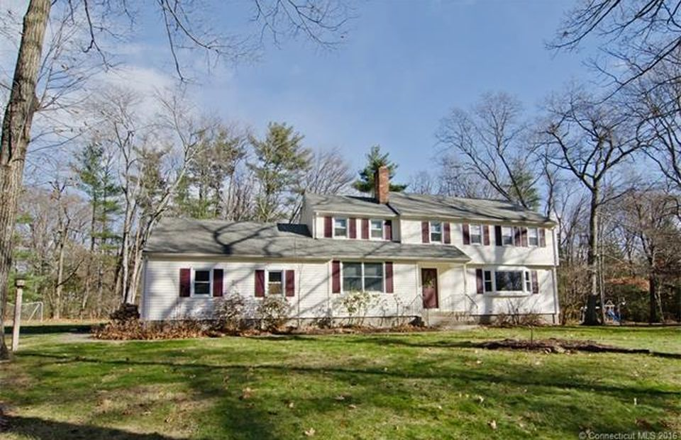 6 Rocklyn Dr  West Simsbury, CT 06092